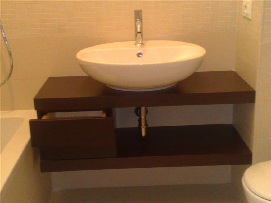 Mensole bagno in vetro immagini ispirazione sul design - Mensole bagno design ...